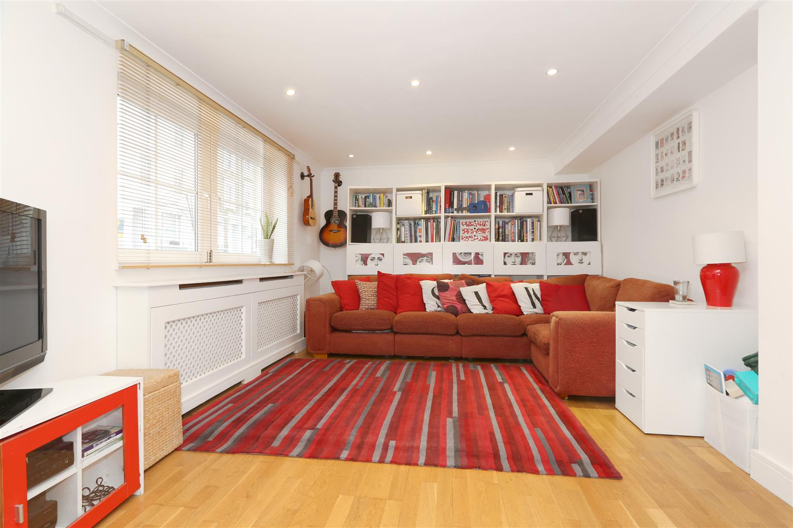 2 Bedrooms Flat for sale in Beatty Road, London